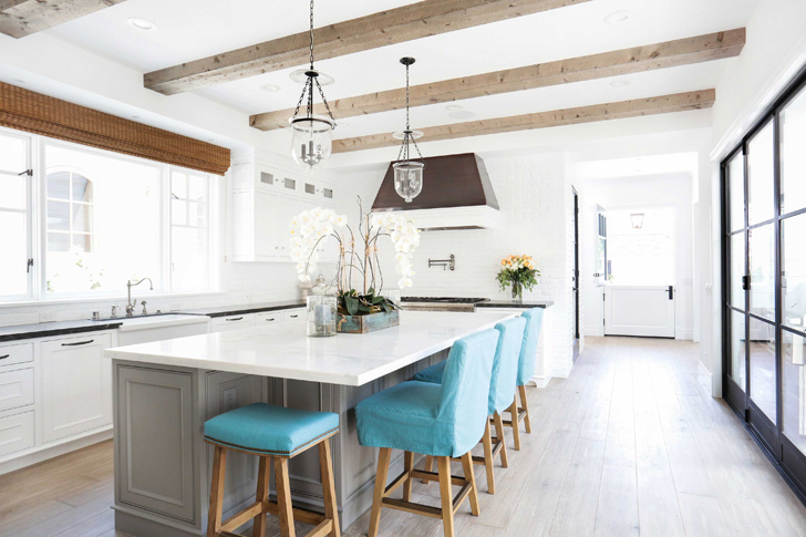 Stunning Seaside Home With Turquoise Accents