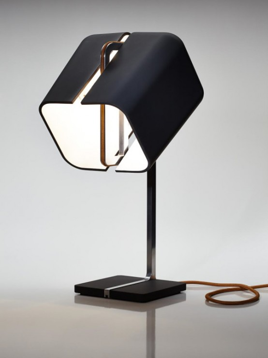 Stylish Aligned Lamp With A 360 Degrees Rotation