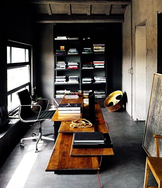 33 stylish and dramatic masculine home office design ideas for Man cave desk