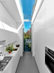 stylish-and-functional-narrow-kitchen-design-ideas-1
