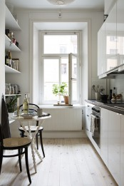 stylish-and-functional-narrow-kitchen-design-ideas-10