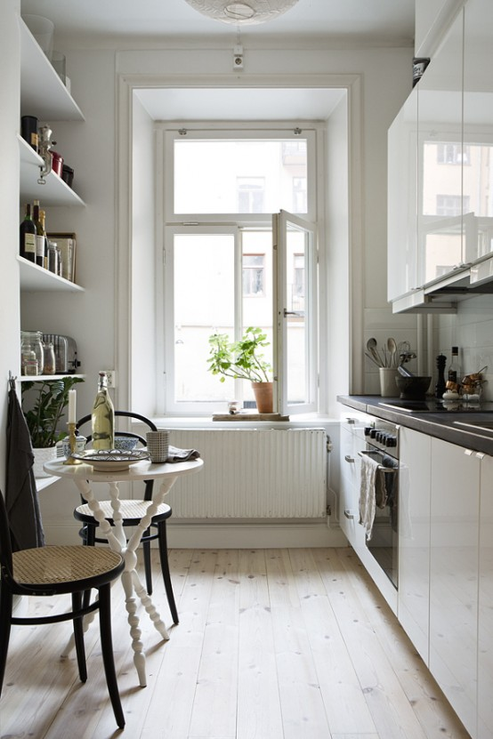 31 stylish and functional super narrow kitchen design for Kitchen ideas narrow space