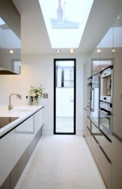 stylish-and-functional-narrow-kitchen-design-ideas-16