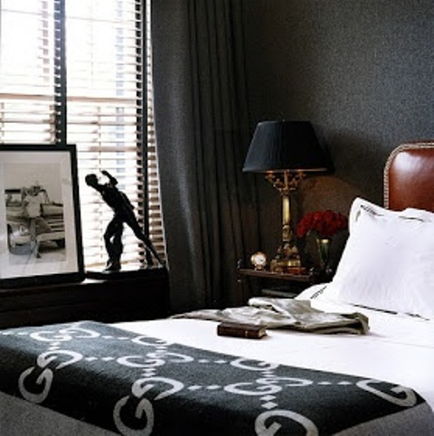 Black bedrooms always look more masculine than feminine so thing about choosing this color as the main one.