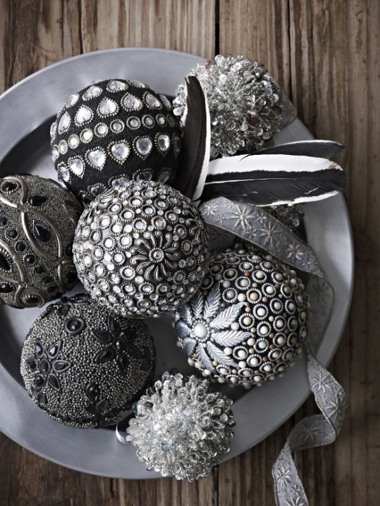 38 Stylish Christmas Décor Ideas In All Shades Of Grey ...