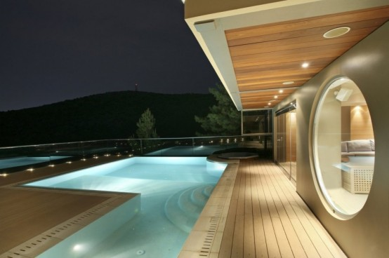 Stylish Futuristic House Reminding Of A Spaceship