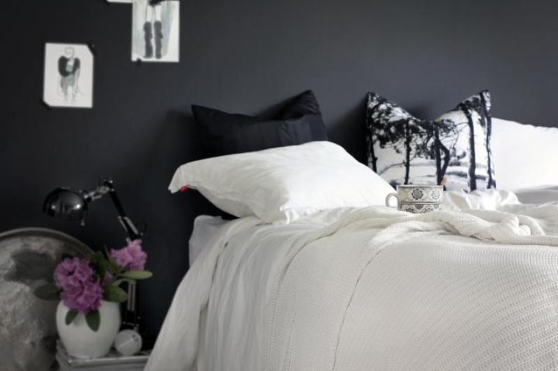 Stylish Girlish Bedroom With Black Walls