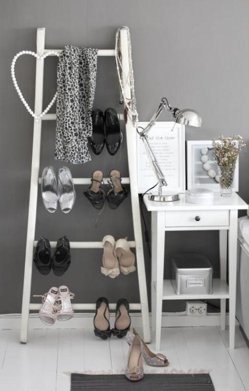 Stylish Grey Firl Bedroom With A Shoes Ladder