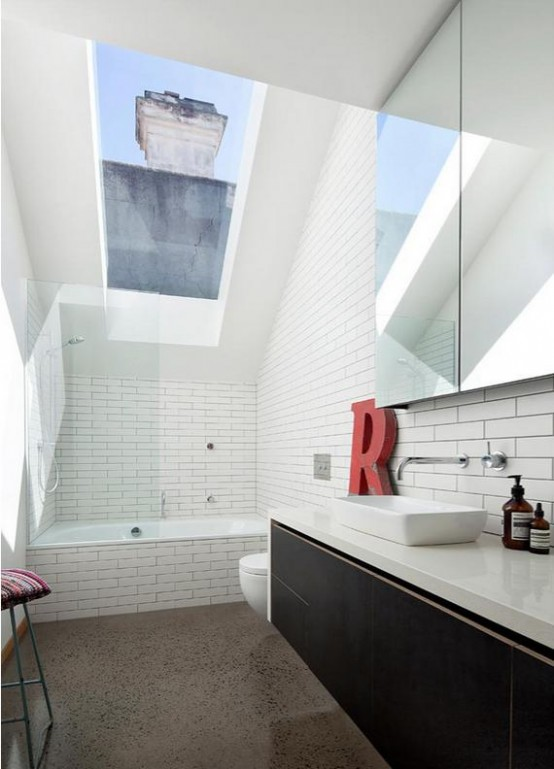 Stylish hipster house with laconic design digsdigs for Victorian terrace bathroom ideas