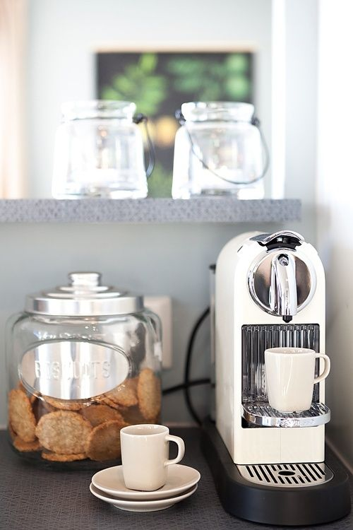 Stylish home coffee stations to get inspired digsdigs - Como decorar un bar ...