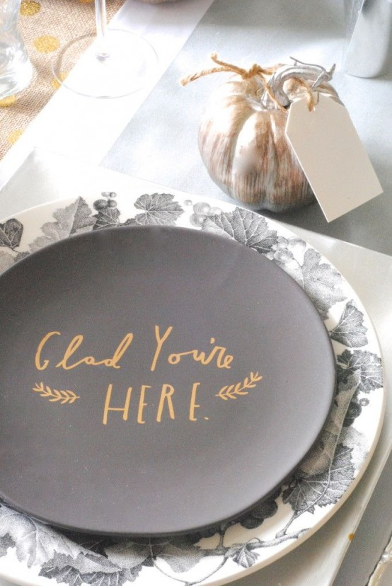 modern Thanksgiving plates, a faux pumpkin with a tag for a simple modern tablescape