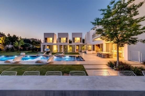 Stylish Outdoor Focused Modern Home In Tel Aviv