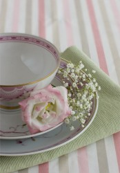 floral print porcelain, a green napkin and some flowers