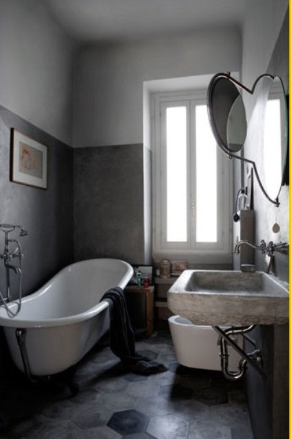 This color scheme forces you to focus on the star of the show: that gorgeous clawfoot tub.