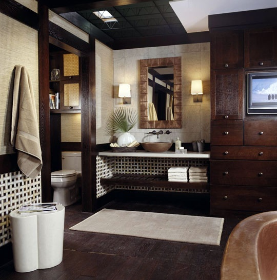 Well organized bathroom storage is as important for masculine bathrooms as for feminine.