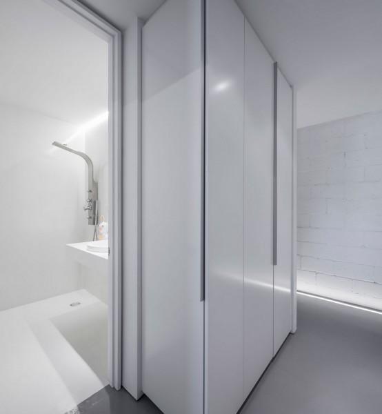 Stylishly Minimalist House With Mid Century Modern Touches