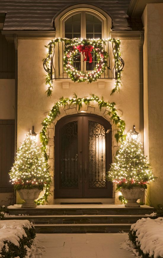 Outdoor Holiday Decoration Ideas Part - 16: Super Cool Outdoor Decor Ideas With Christmas Lights