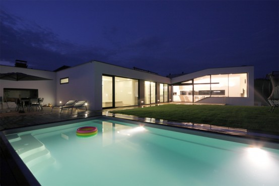 Truly Modern House Design With Cool Interior In Black And