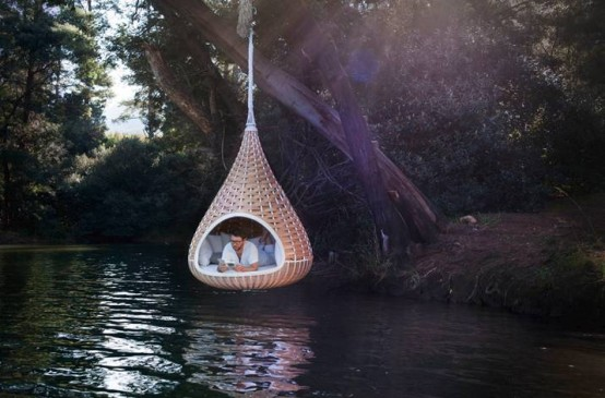 Suspended Outdoor Lounger