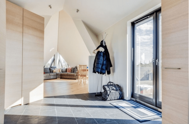 Sustainable And Airy Pyramid Cottage In Iceland