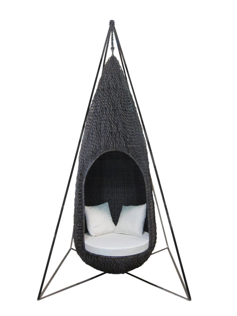 Picture Of sustainable grande dame swing for outdoors  1