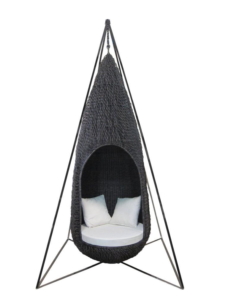 Outdoor Swing Chair In Metal Frame – Grande Dame