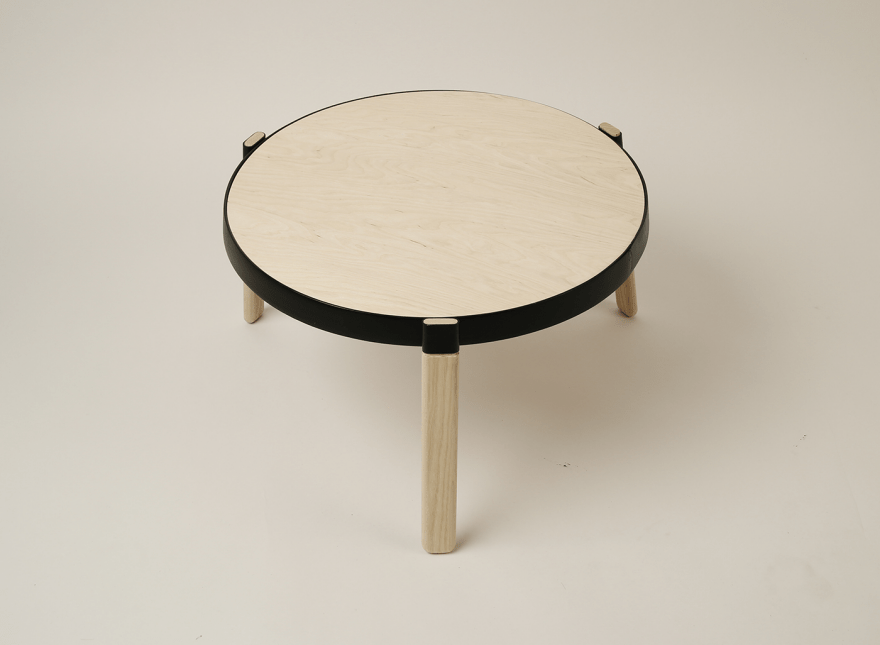 Sustianble Plug Table That Is Easy To Transport