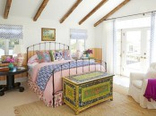Sweet Colorful Cottage With Shabby Chic Furniture