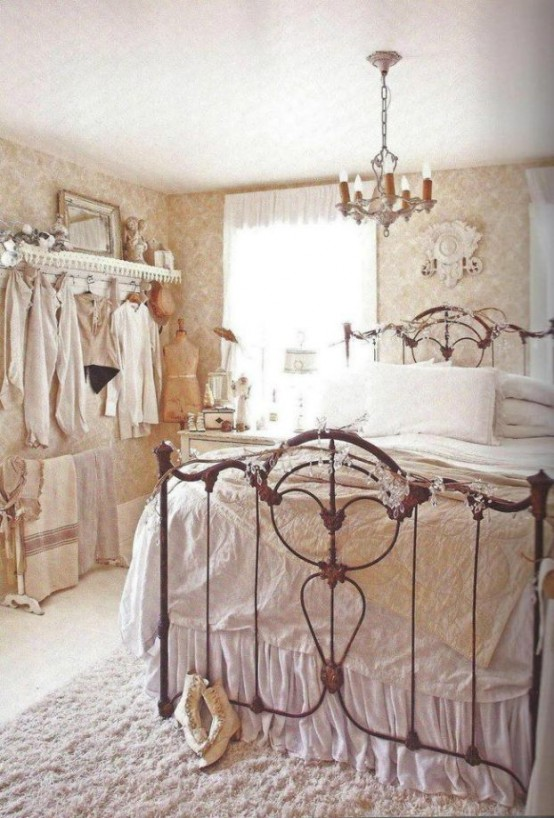 33 sweet shabby chic bedroom d cor ideas digsdigs for Photo shabby chic