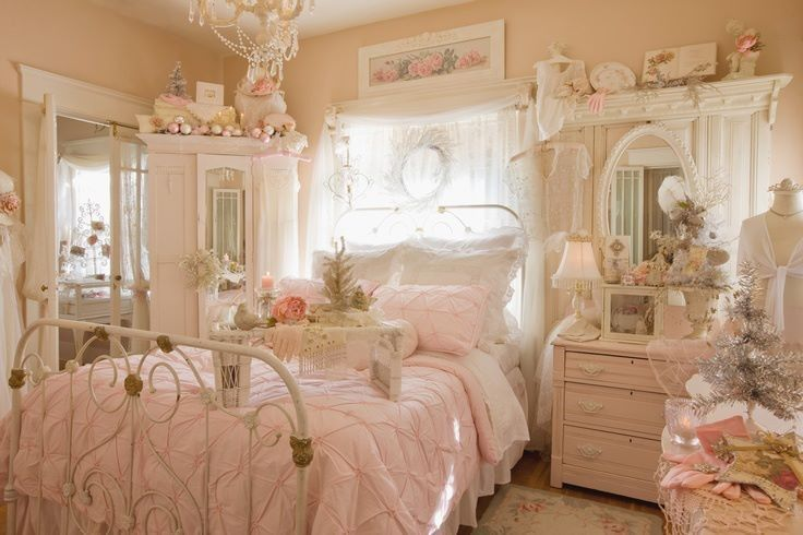 33 sweet shabby chic bedroom d cor ideas digsdigs for Chambre style shabby chic