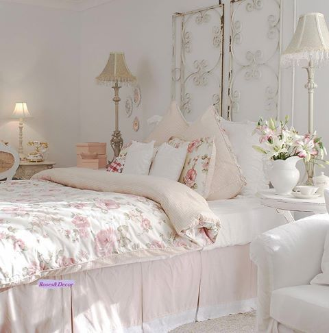 33 sweet shabby chic bedroom d cor ideas digsdigs Cottage home decor pinterest