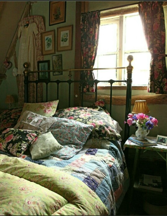 31 Sweet Vintage Bedroom Décor Ideas To Get Inspired - DigsDigs