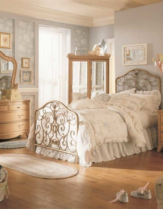 Amazing 31 Sweet Vintage Bedroom Décor Ideas To Get Inspired