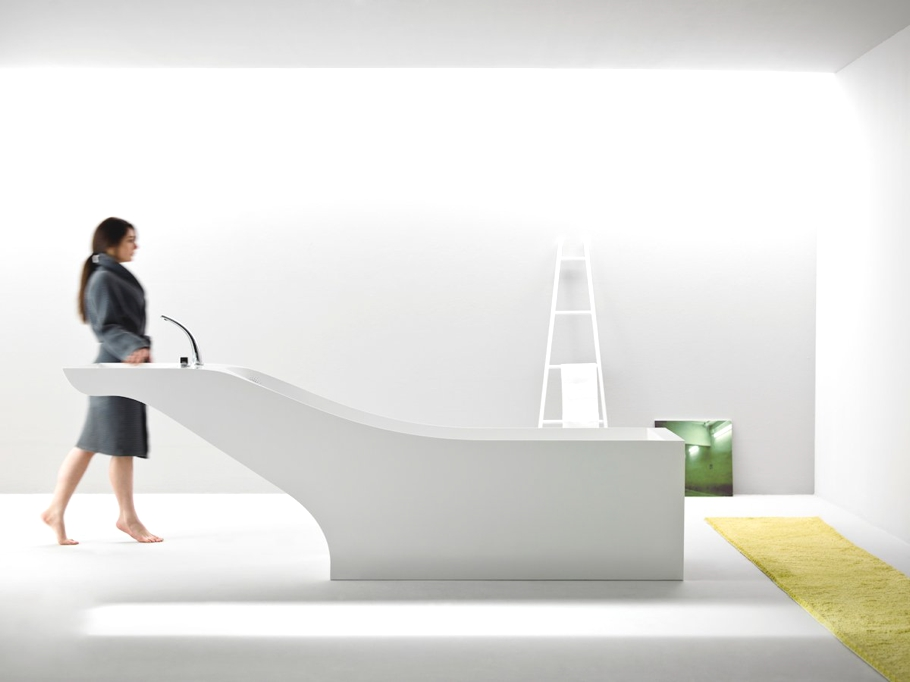 Symbiosis: Minimalist Bathtub And Washbasin In One