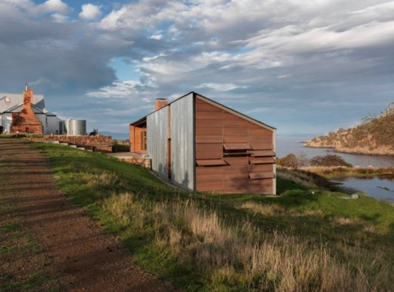 Tasmania Rustic House Totally Of Natural Wood