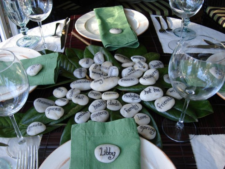 26 thanksgiving table decorations digsdigs for Cool table centerpieces