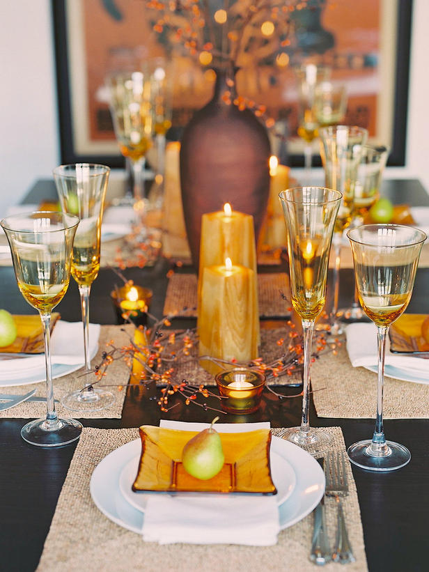 26 thanksgiving table decorations digsdigs for Table decoration ideas
