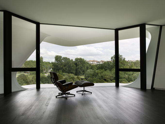 the most futuristic house lounge