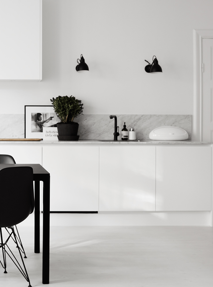 Timeless Black And White Apartment With Its Own Personality