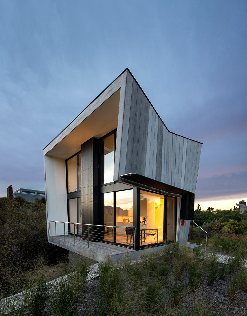 Beach house designs archives digsdigs for Small two story house