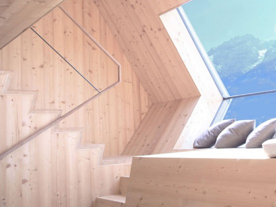 Tiny Ufogel Larch Cabin To Have A Rest In The Mountains