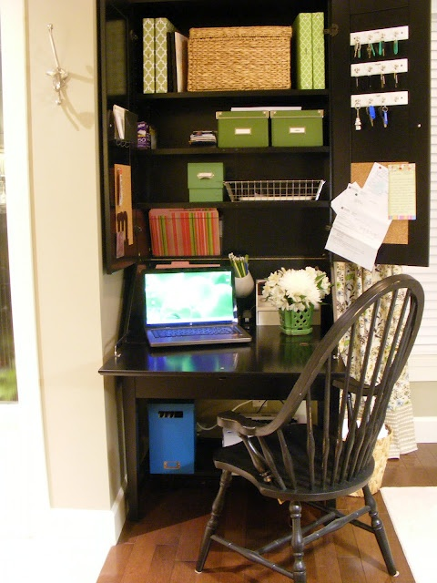 Tiny Yet Functional Home Office Area Designs