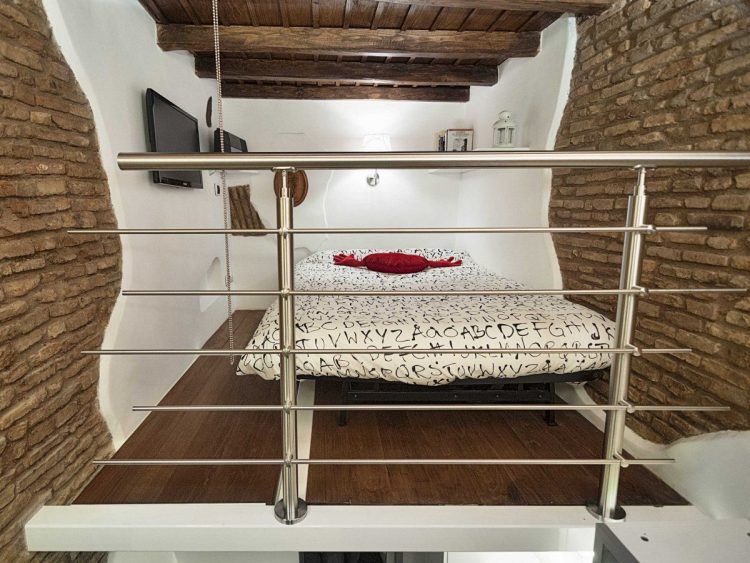 Super Compact Yet Stylish Apartment Of Only 7 Square Meters
