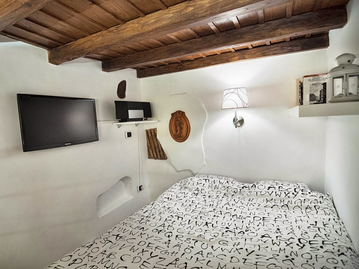 Picture Of tiny yet stylish rome apartment of 7 square meters  6