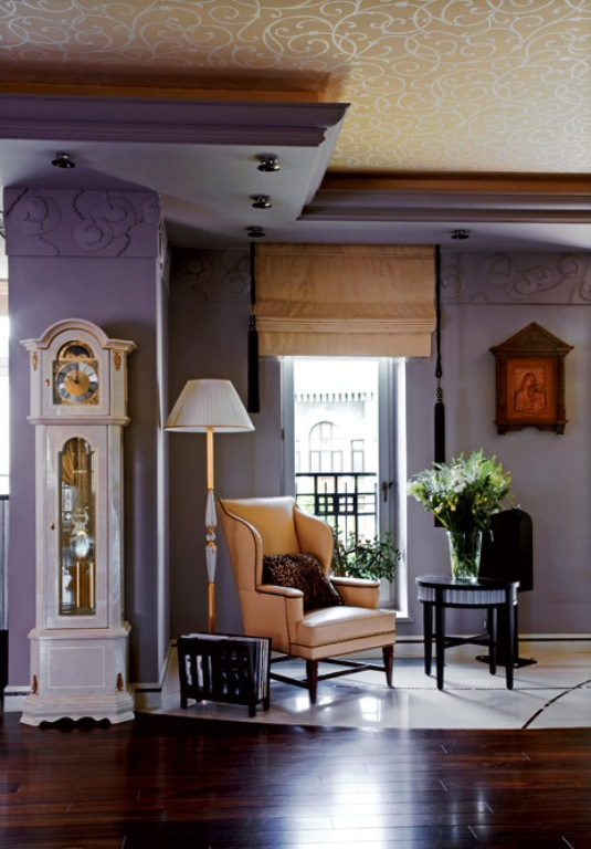 Traditional And Art Deco Apartment With Lilac And Plum Violet Interior