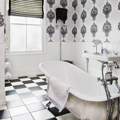23 Traditional Black And White Bathrooms To Inspire