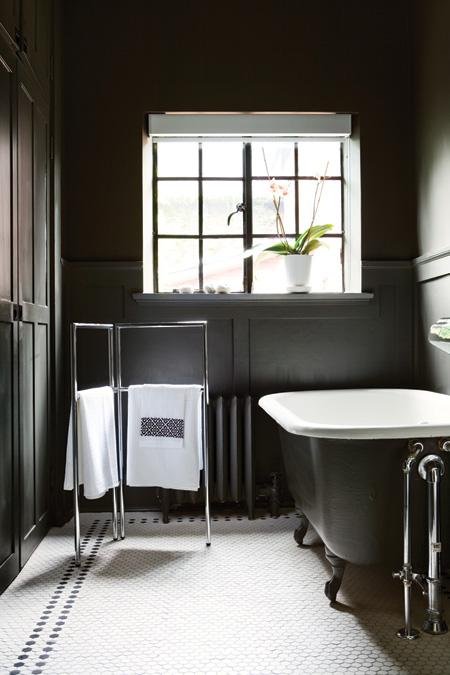black and white bathrooms to inspire 10 traditional black and white