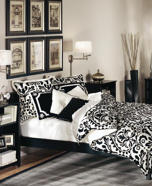 19 traditional black and white bedroom that inspire digsdigs for Black white and grey room decor