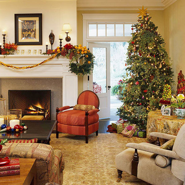 40 traditional christmas decorations digsdigs - Christmas living room decor ...