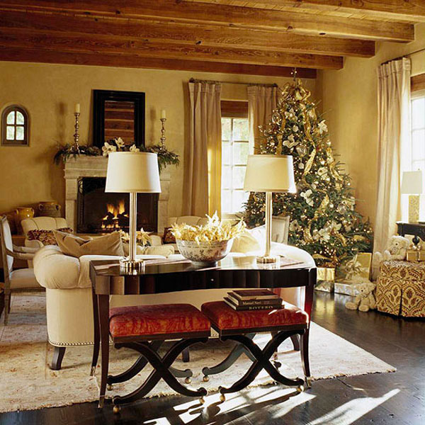 40 Traditional Christmas Decorations